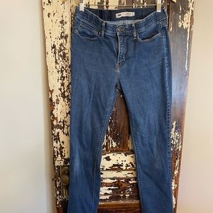 Women's Levi's blank red tab 525 jeans. Size 10
